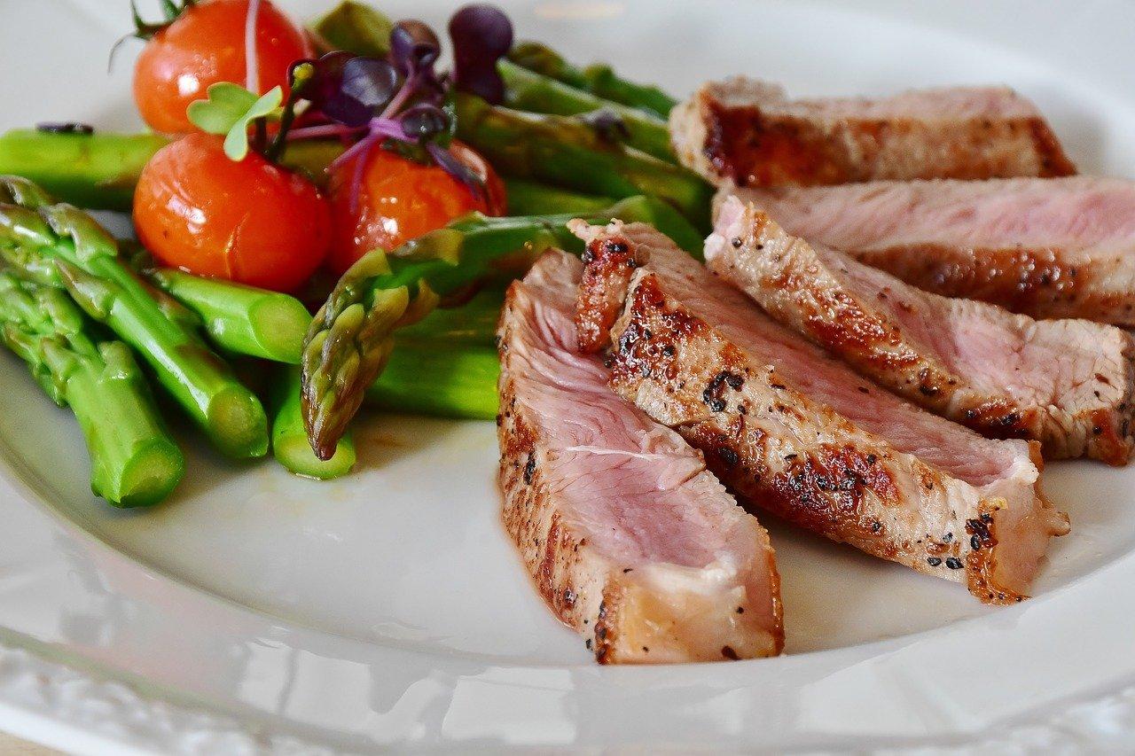 asparagus, steak, veal steak-2169305.jpg